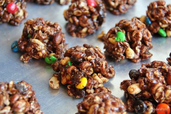 Want a quick cookie? Try these wonderful no bake trail mix cookies recipe, for a fun family friendly treat!