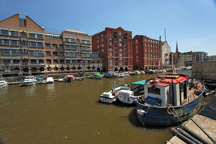 Canals surrounded by nicely restored buildings in the Welsh Back neighborhood of Bristol, England