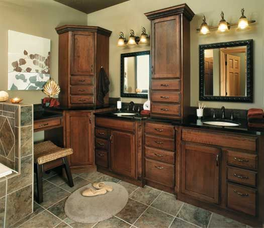 StarMark Cabinetry Bedford Door Style In Cherry Finished In Nutmeg With  Ebony Glaze.
