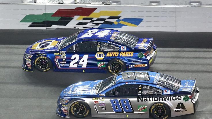 Daytona 500 Qualifying Stephen M. Dowell / Orlando Sentinel Dale Earnhardt Jr. (88) and Chase Elliott (24) race during the Can-Am Duel #1 Sprint Cup qualifying race at Daytona International Speedway on Thursday, February 18, 2016. (Stephen M. Dowell/Orlando Sentinel)