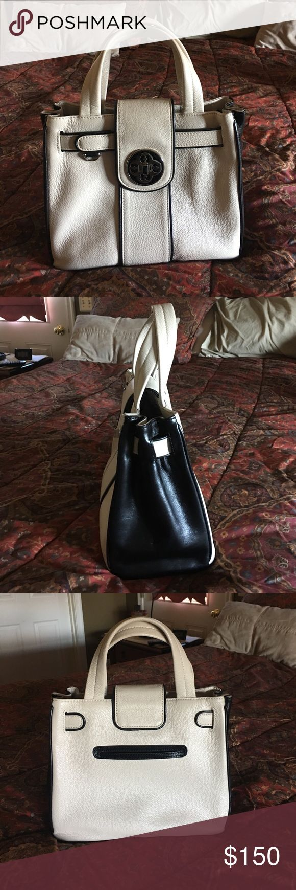 My One Flat In London Bag (aka Brighton) Soft cream leather with chocolate brown trim Handbag. In EXCELLENT condition. Authentic. Measures 10 1/2 inches wide by 9 inches high. Classic style My Flat in London bag ( buy in Brighton stores). All leather. My Flat In London Bags Mini Bags