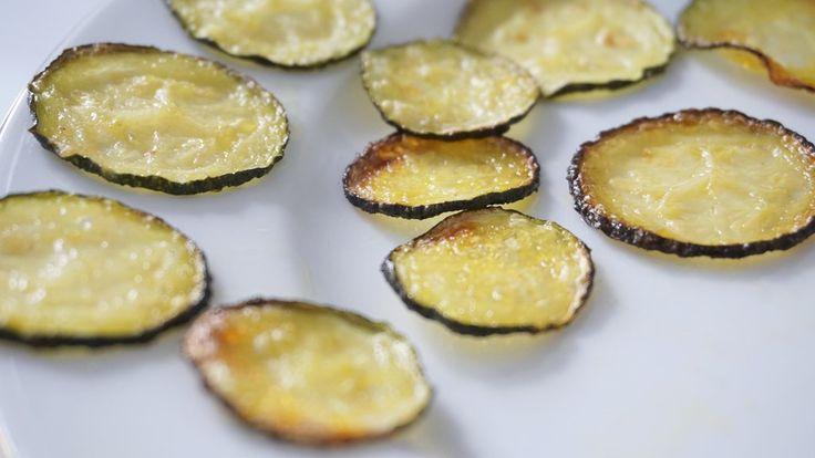 Zelf gezonde courgette chips maken koolhydraatarm en vegan
