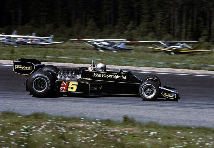 1976 Lotus 77 - Ford (Mario Andretti)