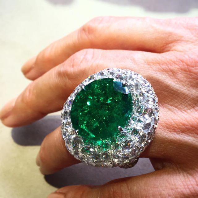 Boghossian emerald set over rose-cut diamonds. @boghossianjewels