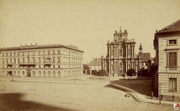 Kościół Wizytek Opieki św. Józefa Oblubieńca i nieistniejąca już kamienica przy Krakowskim Przedmieściu 36, należąca do Wizytek.