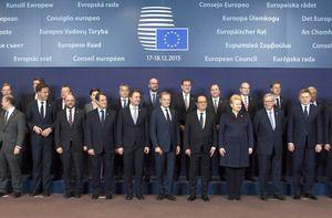La COMECE salue les conclusions du Conseil européen du 17 décembre, qui fixe les prochaines étapes indispensables dans la mise en œuvre des décisions prises en réponse à la crise des réfugiés et des migrants. Cependant, il est regrettable de constater que les Etats membres ne soient pas encouragés à