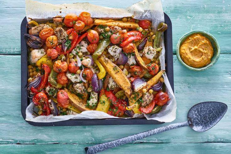 Kijk wat een lekker recept ik heb gevonden op Allerhande! Zoete aardappel, groenten en kalkoen uit de oven
