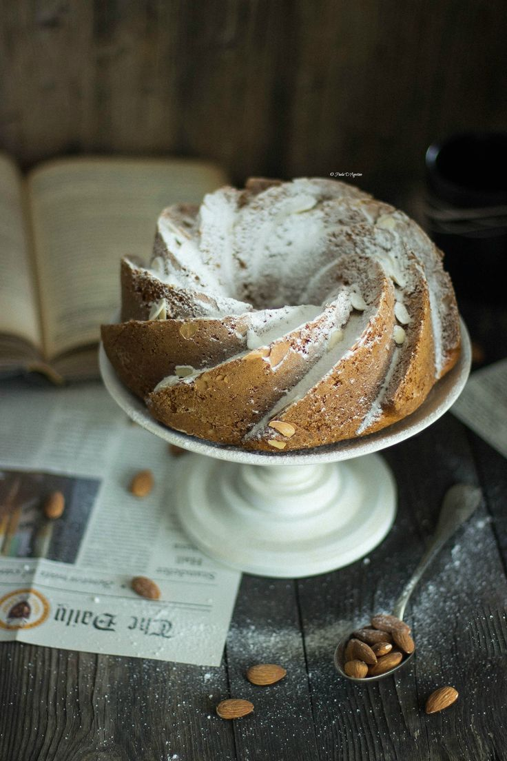 carrot cake and almonds foodphotography, bundtcake http://www.labottegadelledolcitradizioni.it/2016/03/torta-alle-carote-e-mandorle.html
