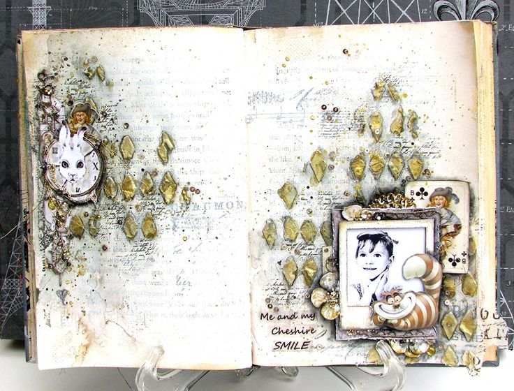 Project by More Than Words DT member Joyce Kers inspired by the July SMILE & SKETCH Main Challenge. More details at http://morethanwordschallenge.blogspot.ca/2016/07/july-2016-main-challenge-smile-sketch.html #morethanwords  #mtwchallenges #morethanwordschallenges #mtw