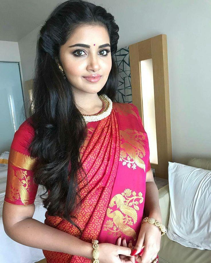 Kerala Wedding Hairstyles For Women: Anupama Parameswaran
