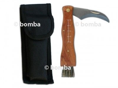 Hubársky nožík je nutný doplnok pre každého hubára. Ide o originálny nôž so štetcom v čiernom puzdre na čistenie húb.