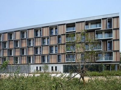 46 unit Passivhaus apartment building opens in the hot and steamy Yangtze delta