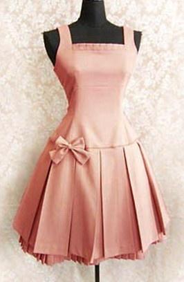 Adorable Lolita dress.