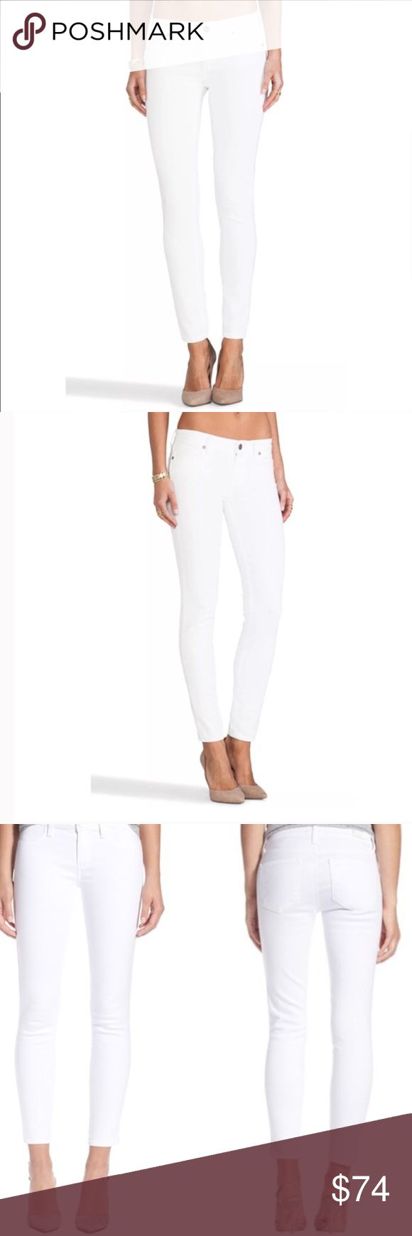 "PAIGE Verdugo Ankle Optic White Crop Skinny Jeans PAIGE Verdugo Ankle Optic White Skinny Cropped Denim Jeans. Size 25. Perfect condition never worn. Purchased for $179. Measurements without stretching: Waist across 13"" Rise 7 1/2"" Inseam 26.5"" No trades please 💕 Paige Jeans Jeans Ankle & Cropped"
