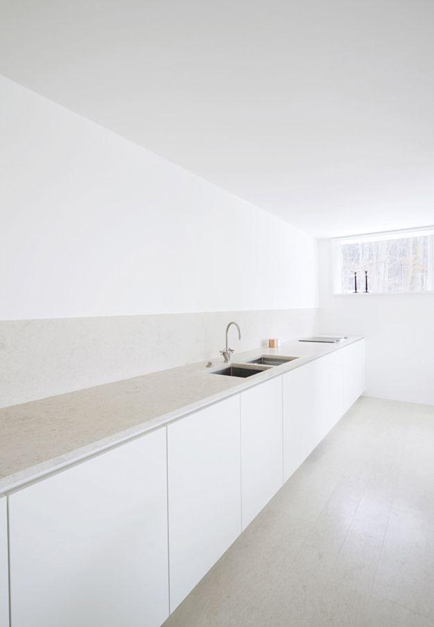 white minimal kitchen HOUSE O, Interior Design 2009, Kronberg, Germany