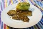 Escalopines de ternera con salsa de limón y Patatas Rellenas con crema de espinacas