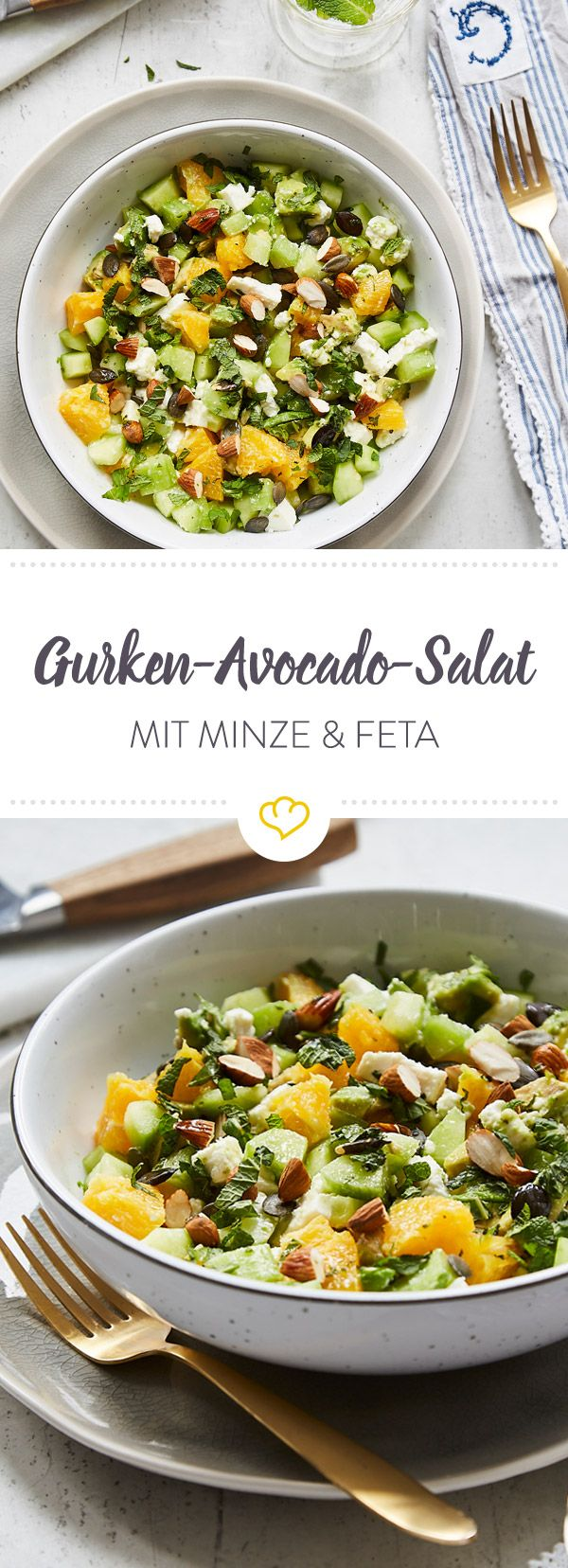 Schnell, schneller, Gurken-Avocado-Salat! Mit etwas Orange, Minze, Feta und Mandeln ist die Salatschüssel zum Feierabend ratzfatz bis zum Rand gefüllt.