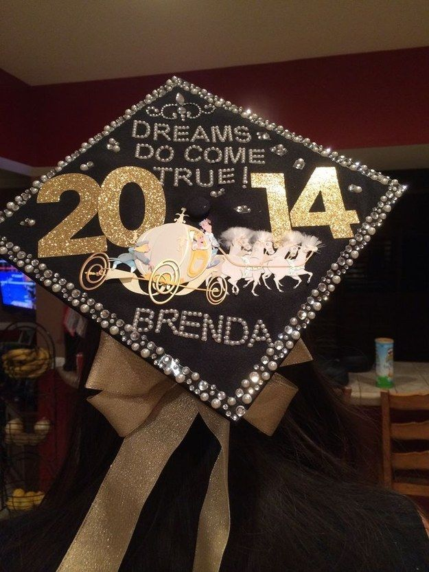 Community Post: 32 Jaw Dropping Disney Graduation Caps