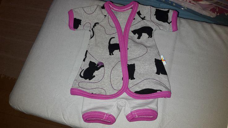 Prematurkläder. Klänning och byxa