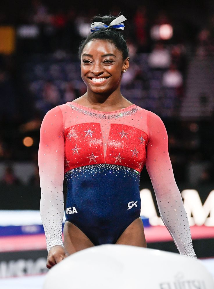 Simone Biles Breaks World Gymnastic Championship Record American Gymnastics, Team Usa Gymnastics, Gymnastics Problems, Tumbling Gymnastics, Gymnastics World, Gymnastics Posters, Acrobatic Gymnastics, Gymnastics Pictures, Olympic Gymnastics