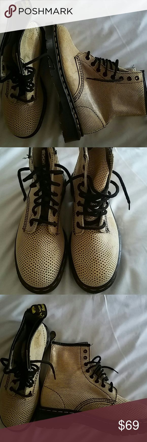 Dr Martin's Boots Size 6/ UK 4 Never Worn Shoes Lace Up Boots