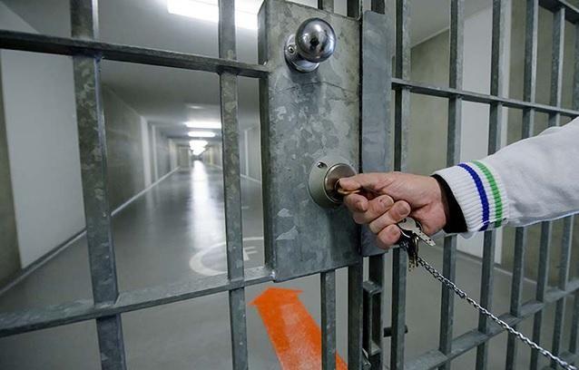Interdiction. Le ministre de l'Intérieur a annoncé une procédure de dissolution contre l'association Sanabil, qui aidait les détenus musulmans. La structure, très présente dans les prisons françaises, est soupçonnée d'avoir de nombreux liens avec le djihadisme...