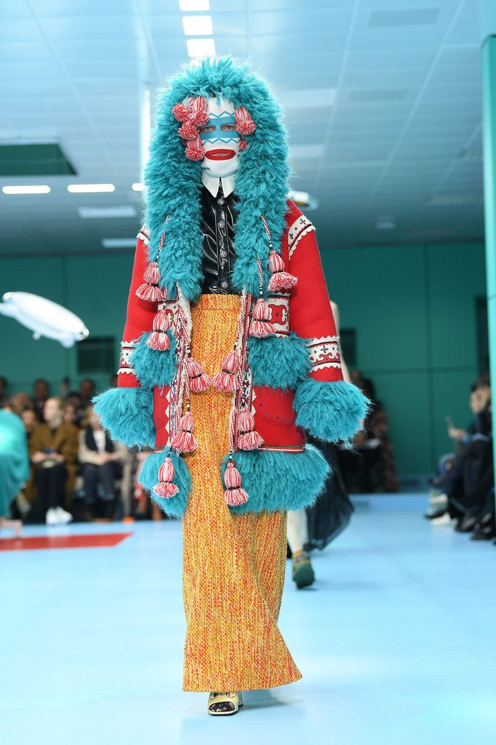 3f43fad1bda17b A Gucci Model Carried Her Own Severed Head on the Runway