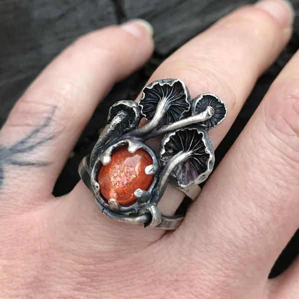 Mushroom and stone ring – Theethjewelry