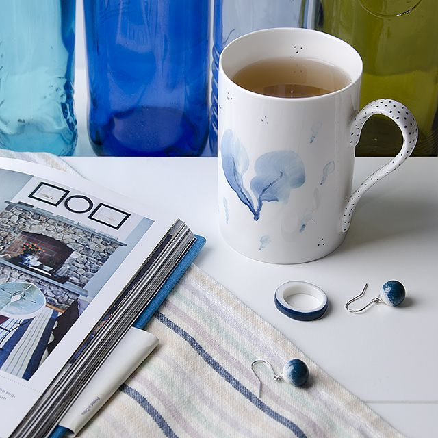 Hand painted porcelain mug and porcelain jewelry by OLGA KABIE @OLGA KABIE #bonechina #olgakabie #mug #blue #ocean #gift #porcelain #sea