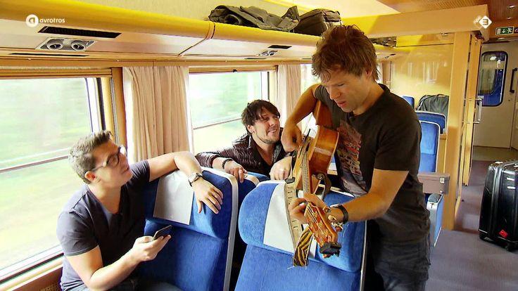 http://www.sterren.nl/odennenboom Tijdens hun treinreis door Zweden ontmoeten Jan Smit en 3JS deze Zweedse meneer in de trein. Hij verzoekt de mannen een lie...