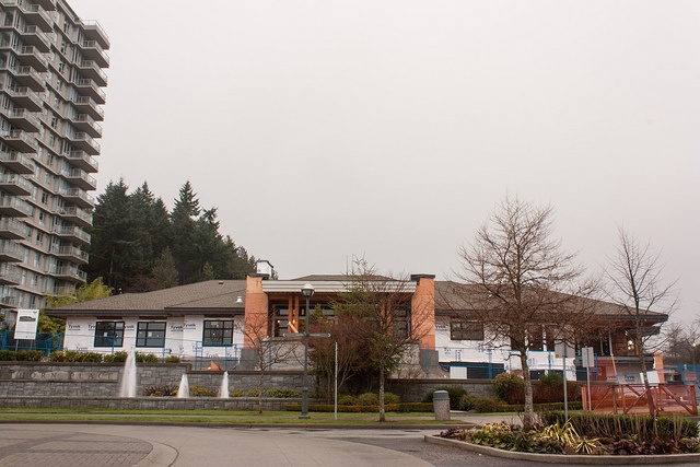 Under Construction: St. John Hospice by tyfn, via Flickr - Canon XSi, EF-S18-55mm f/3.5-5.6 IS, ISO 100, f/20, 20mm, .3 sec