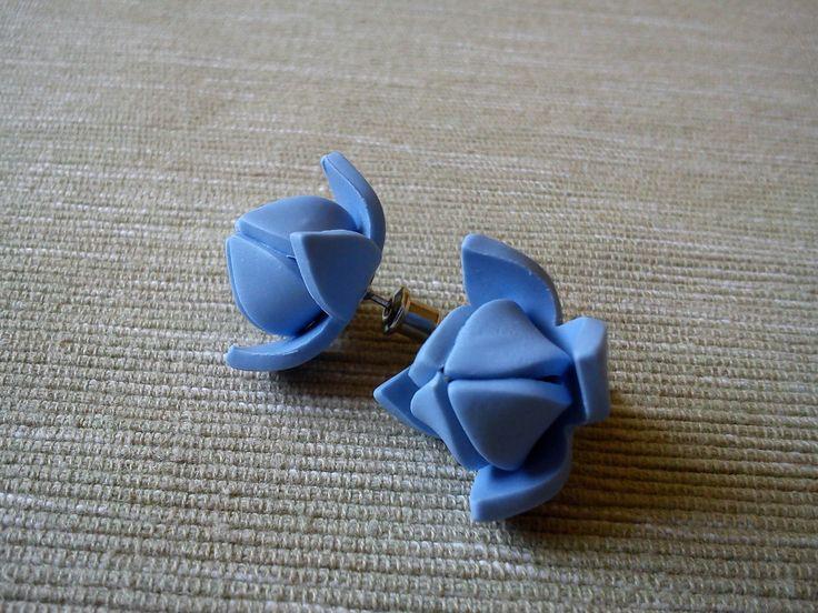 Modré+lotosové+květy+Náušnice+jsou+vyrobeny+z+polymerové+hmoty