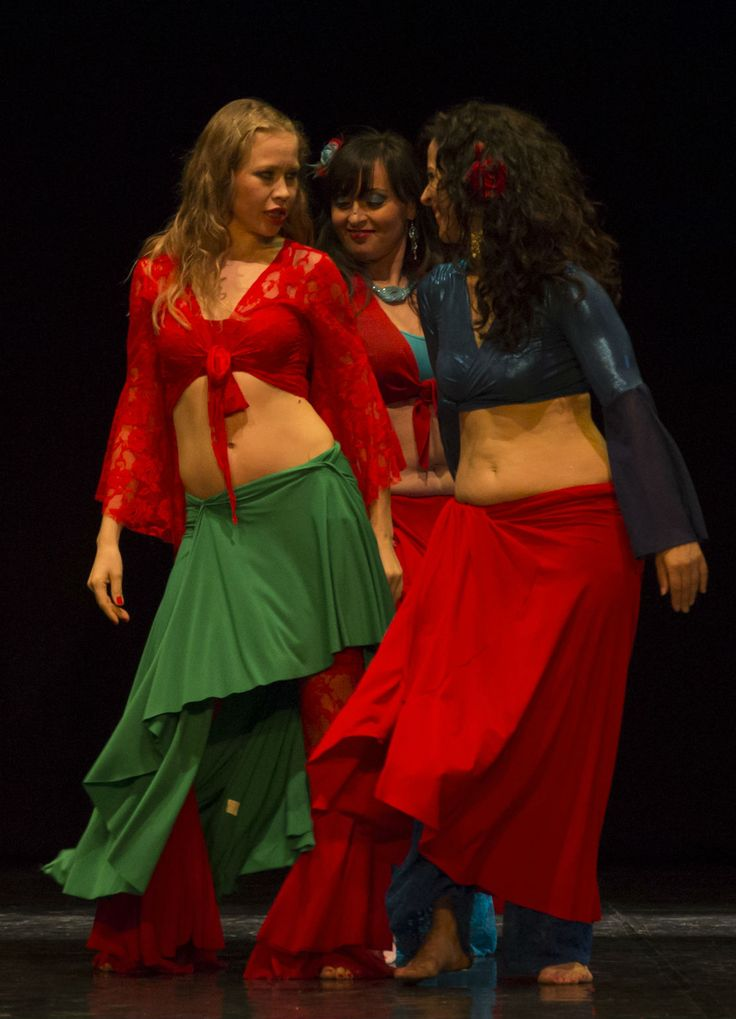 Sul palco.. un anno fa! #gypsy danza #gitana con Victoria Ivanova. domenica 21 giugno ore 20.00 Teatro Martinitt via Pitteri 58 Milano (via Rubattino). info biglietti: info@spazioaries.it - 0287063326 - 3420175218 - www.spazioaries.it #solstizio #solstiziourbano #saggio #spettacolo #teatro #martinitt #danzadelventre #quellidiaries #spazioaries #lambrate #estate #estate2015http://www.spazioaries.it/Upload/Modules/News_Article.php?ID=157