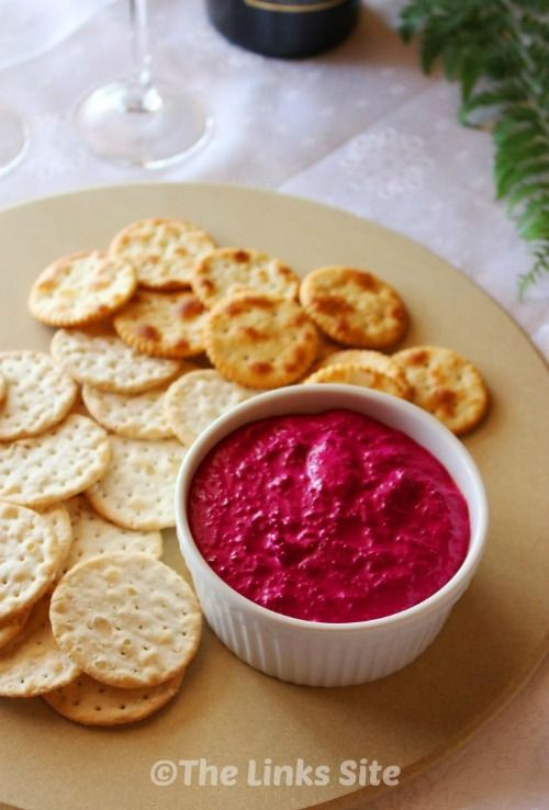 With only 3 ingredients, which include roasted beetroot and garlic, this tasty beetroot dip is the perfect appetizer for a party or summer BBQ! #recipe #healthy