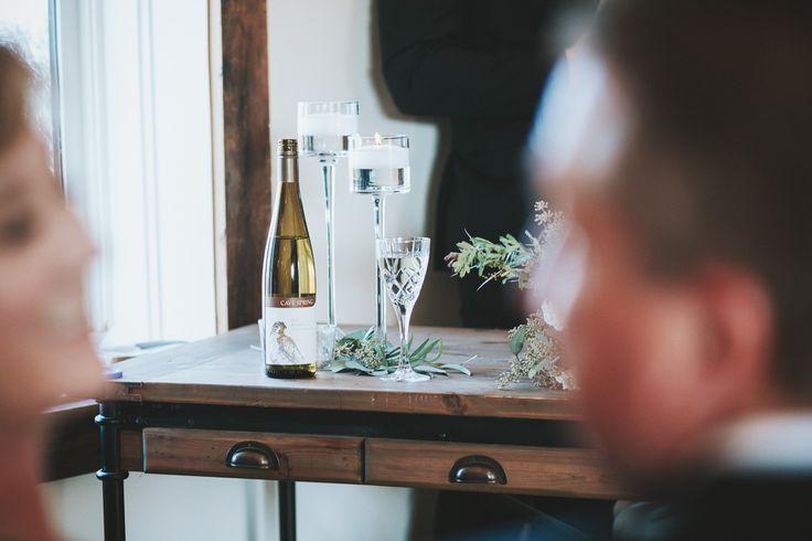 Cave Spring wine at vineyard ceremony by http://www.reedphoto.ca/ #Innonthetwenty