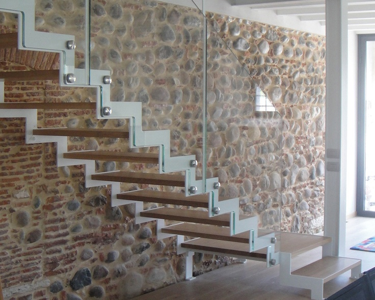 Scale su misura Fulmine LaFont installata a Bussolengo | Fontanot