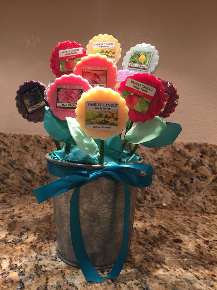 Homemade Mother's Day Yankee candle melt bouquet