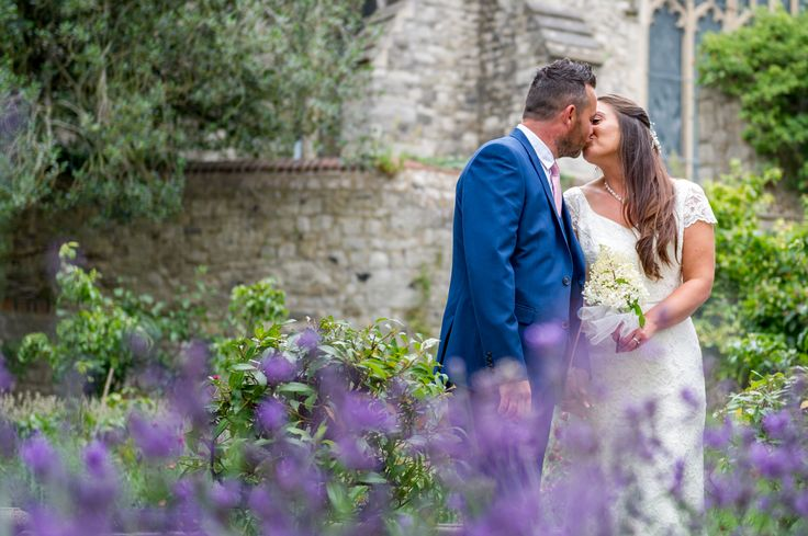 Wedding at the Archbishop Palace, Maidstone, Kent. Kent Weddings by Kent Photographer. Mugshot Photography
