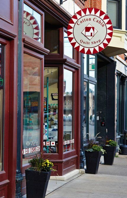 A Midwestern quilt shop in a historic river town goes with the flow.