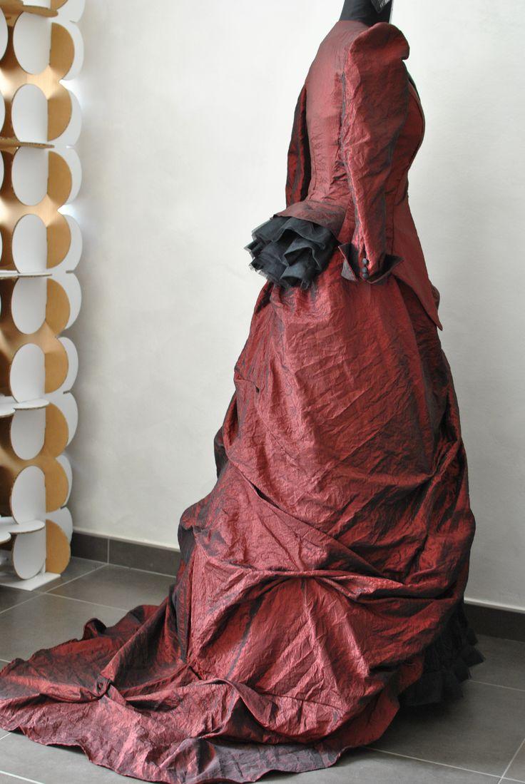 Abito da sposa in stile vittoriano Favole di Seta Sartoria Torino