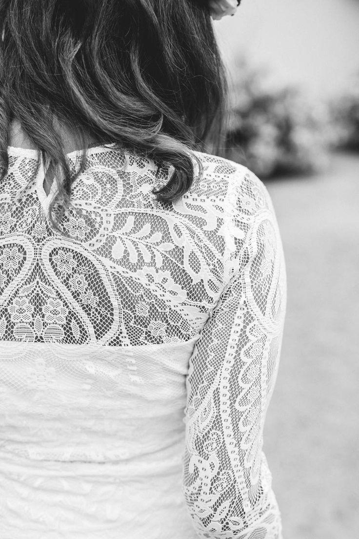 """""""Umstandsbrautkleid"""" –  durch Stretchstoffe sind viele unserer """"normalen"""" Hochzeitskleider problemlos als schwangere Braut zu tragen."""