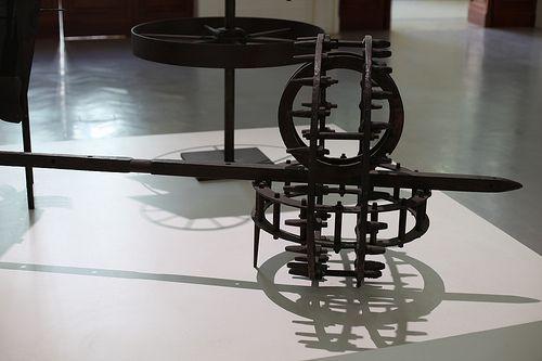 Carro solare di Ettore Colla, 1967 ETTORE COLLA (Parma, 16 aprile 1896 – Roma, 1968) è stato un artista, scultore e pittore italiano.