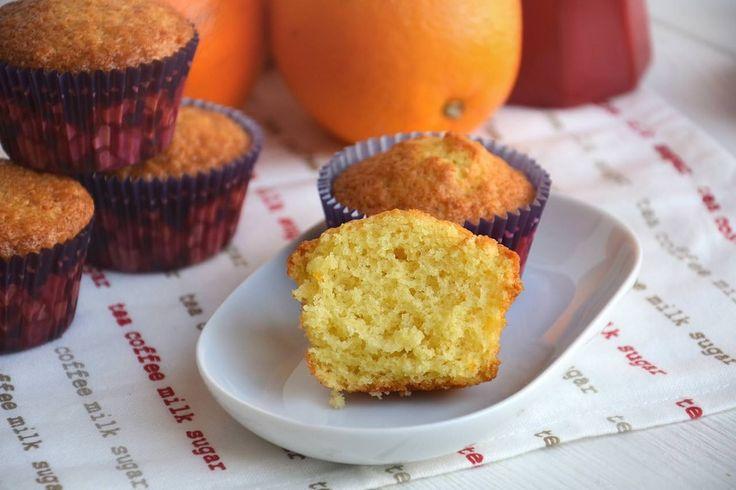 Muffin all'arancia, scopri la ricetta: http://www.misya.info/ricetta/muffin-allarancia.htm