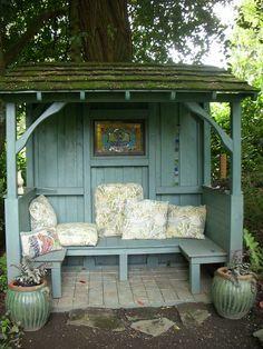Gemütliche Sitzmöglichkeit >> 2011 May Inviting Vines Garden Tour 061 | Flickr - Photo Sharing!