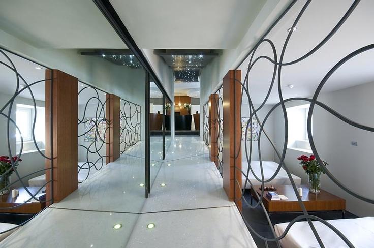 The gorgeous Hotel Metropolis where I'm doing the training! <3