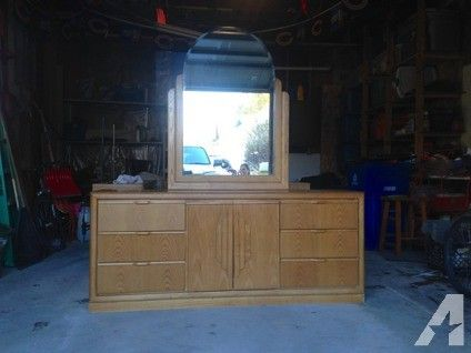 Light Oak Bedroom Set For Sale In Monmouth Illinois Classified Americanlisted Com