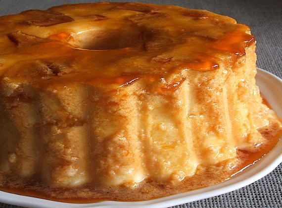Pineapple pudding | Food From Portugal. A delicious pudding, with excellent presentation, confectioned with condensed milk, eggs, pineapple syrup and gelatin, which goes to the fridge in a pudding mold caramelized with sugar. http://www.foodfromportugal.com/pineapple-pudding/