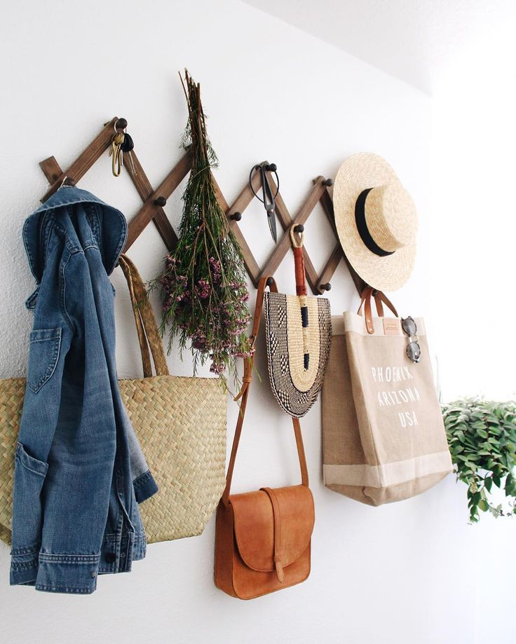 @newdarlings instagram - spring entry way - neutral tones