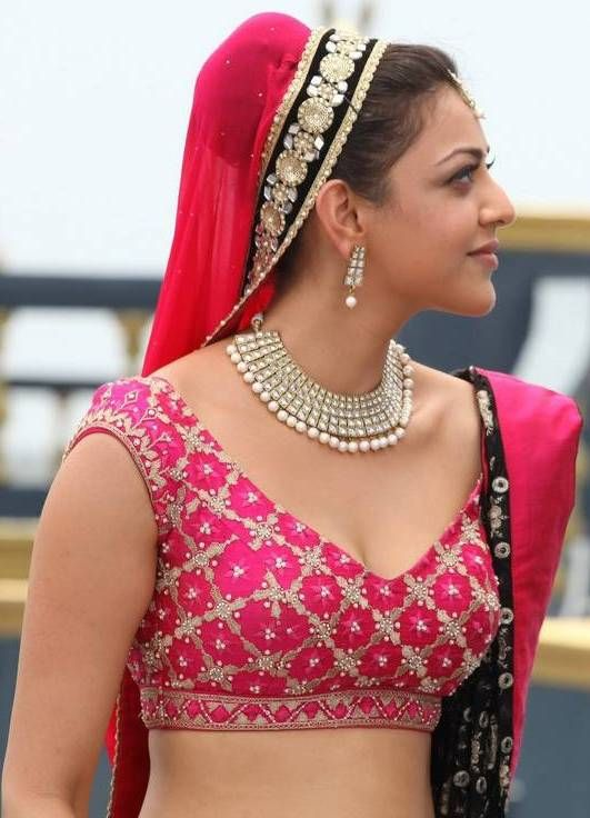 Kajal Agarwal Paayum Puli Hot.#kajal #agarwal http://www.manchimovies.com