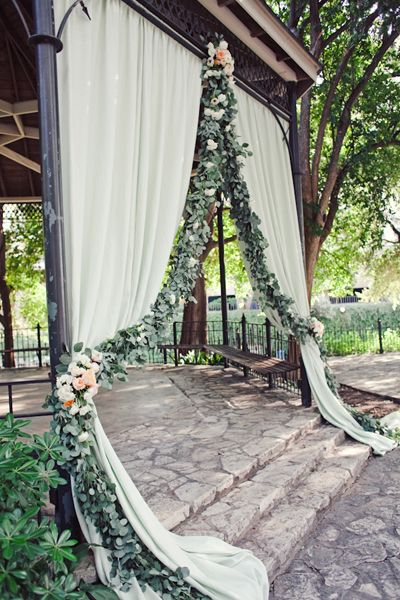 A very smart way of using leaves to decorating the ceremony. Photo by The Nichols, Southern Weddings Magazine